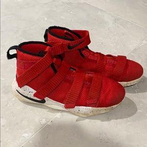 Nike Lebron Soldier XI Size 3